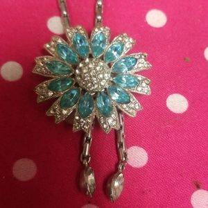 Vintage necklace with flower